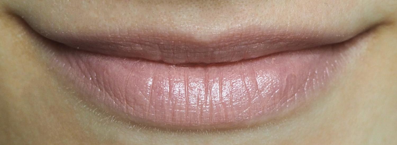 100% Pure Pomegranate Oil Lipstick Peony Tragefoto