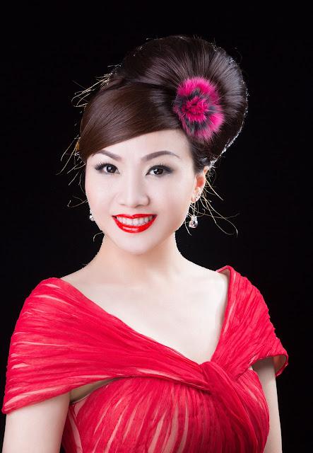 """Ca sĩ Hoàng Châu tung bộ ảnh hiếm hoi thời còn là """"Yến Khoa"""""""
