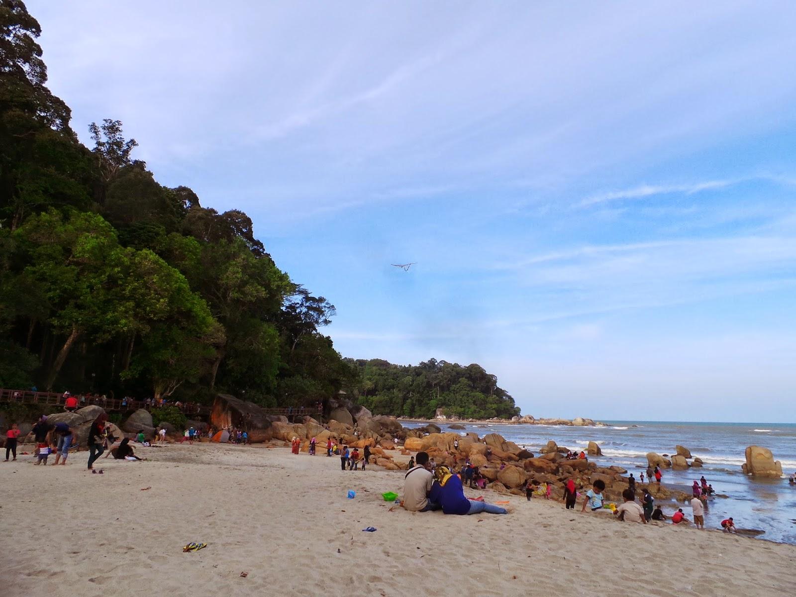 讓生活更快樂: 關丹景點@Telok Cempedak大石頭海邊