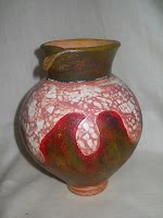 Vas Bunga Sobek yang unik untuk di jadikan hiasan ruang tamu