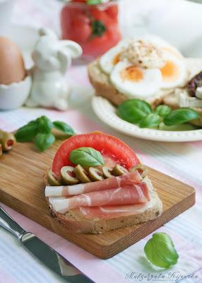szynka parmeńska, szynka szwarcwaldzka, długo dojrzewająca, dobra wędlina, kanapki, śniadanie, daylicooking