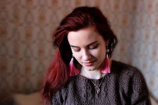 шитье, подставка для гаджета, подставка для планшета, настроение своими руками, серьги-кисти, красивые сережки,