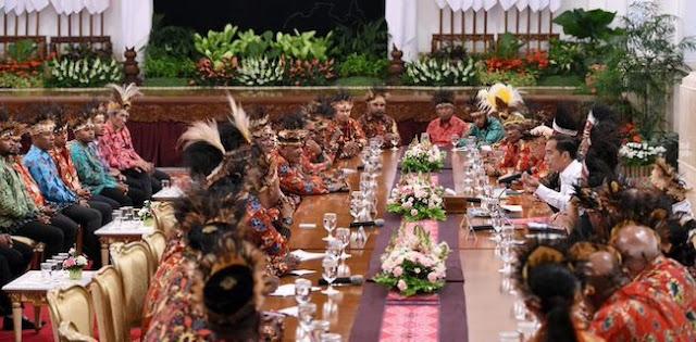 Tokoh Papua Yang Diundang Jokowi Timses, Pigai: Bikin Malu Wibawa Presiden
