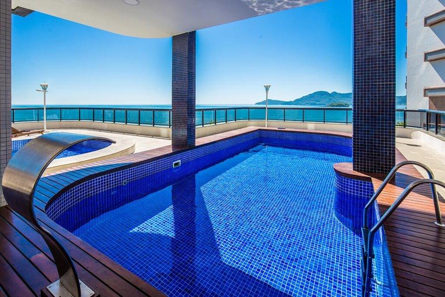Balneário Camboriú hotel beira mar