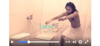 Aksi Lelaki Gondrong 'Bertarung' Melawan Shower di Kamar Mandi Ini Kocak Banget