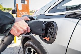 Siete de cada diez conductores no comprará un eléctrico a corto plazo