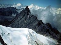 Pesona Puncak Jaya Wijaya Papua (Carstensz Pyramid)
