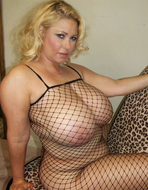 34jj big tit college milf gets her huge tits and pussy out 2