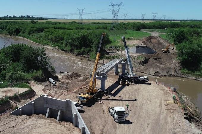 Comenzó el montaje del puente ferroviario sobre el río Carcarañá