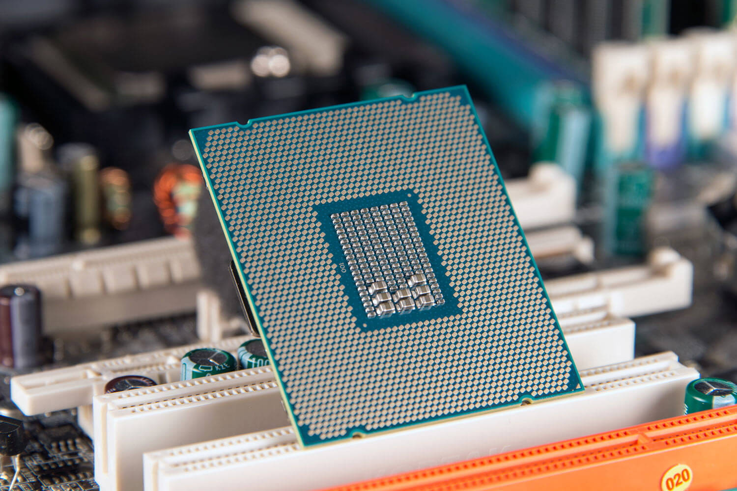 Intel's 8-core 9th generation processor rumored to arrive next month