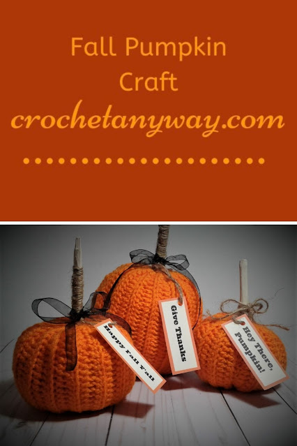 pinable pinterest image of 3 pumpkins fall decor