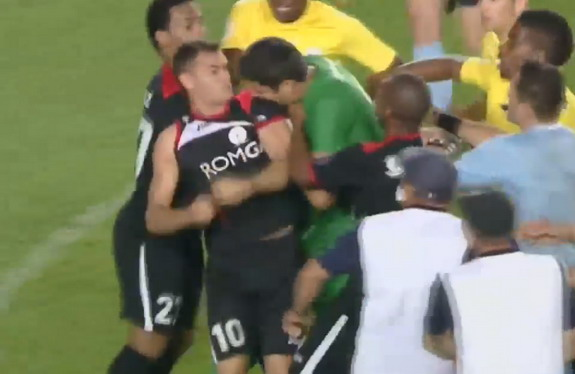Mircea Bornescu sinks his teeth into the flesh of Tha'er Bawab
