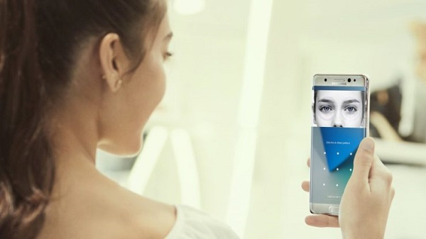 هاتف Samsung Galaxy S10 لن يحتوي على ماسح القزحية