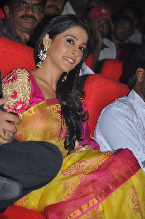 regina at sms movie audio launch, regina unseen pics