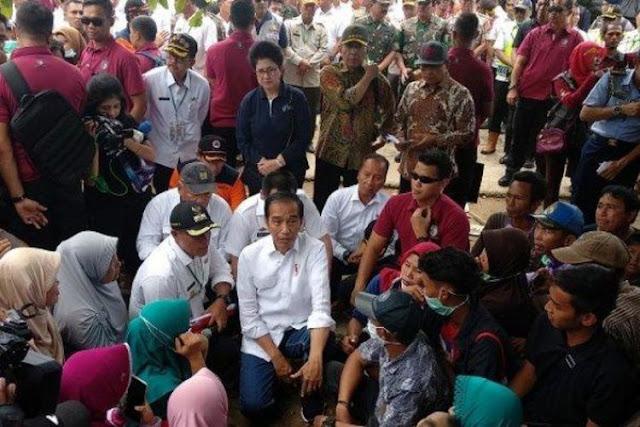 Jokowi Janjikan Rumah Permanen bagi Korban Tsunami Lampung