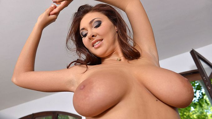 DDFBusty - Nessi Boob - Voluptuous Intermezzo: Curvaceous Piano Teacher Gets Naked - idols
