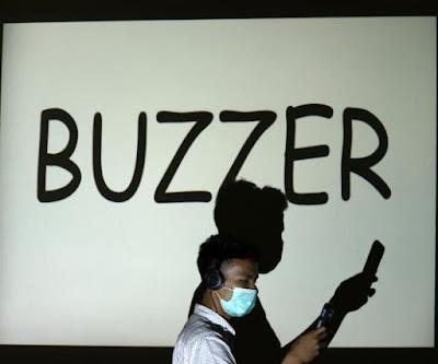 Buzzer Jokowi Membahayakan Demokrasi - pustakapengetahuan.com