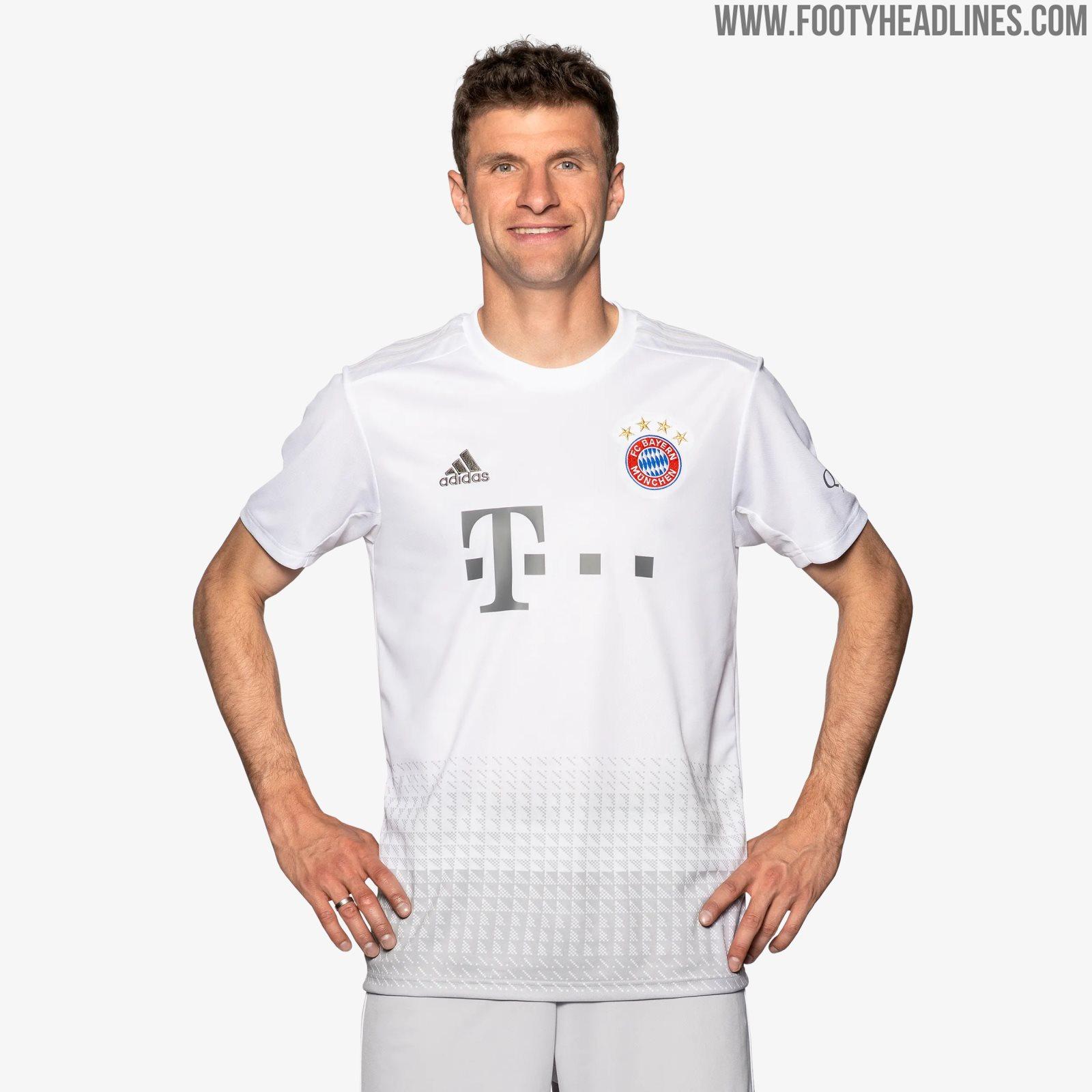 Bayern Auswärtstrikot