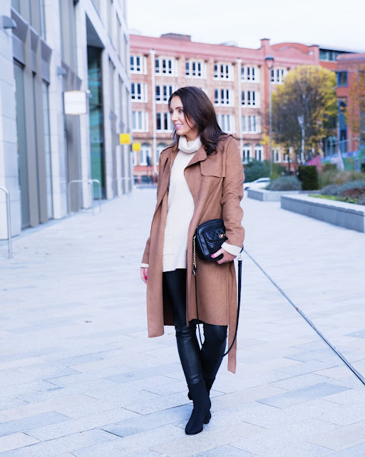 how to wear a trench coat over 40