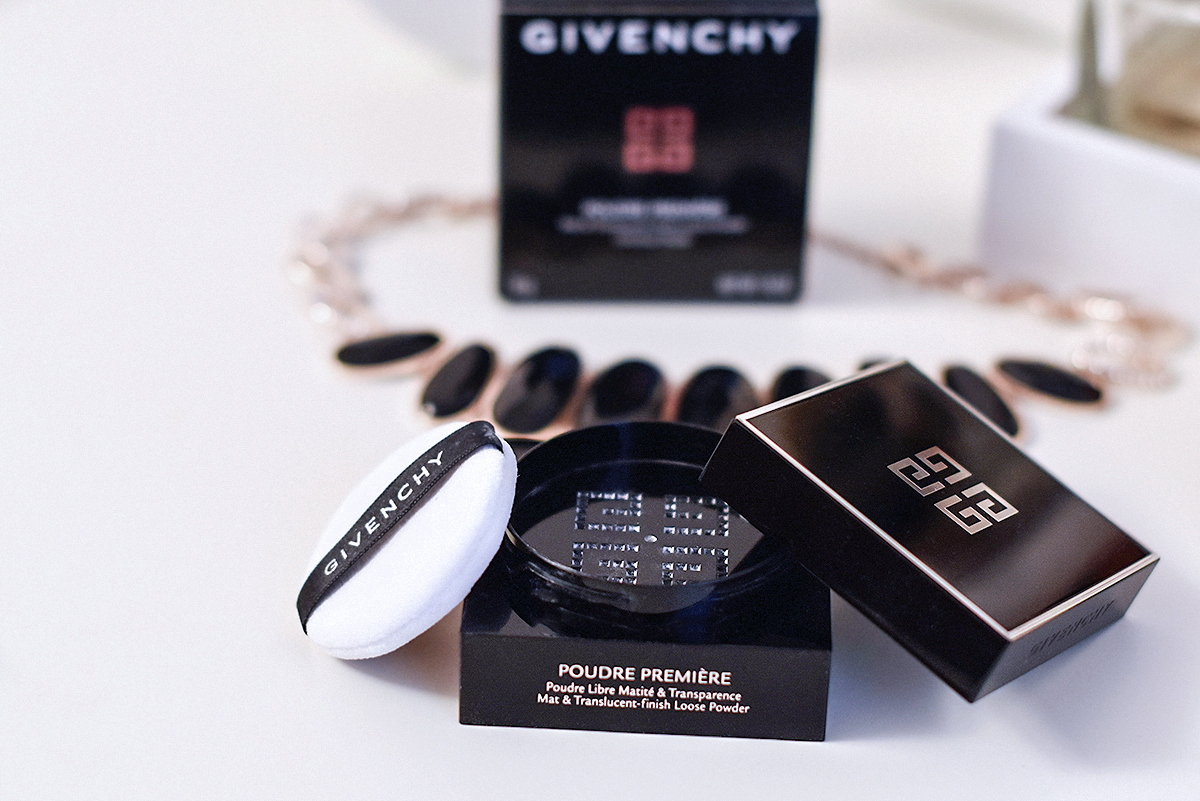 Givenchy  Poudre Premiere Mat & Translucent-finish loose powder