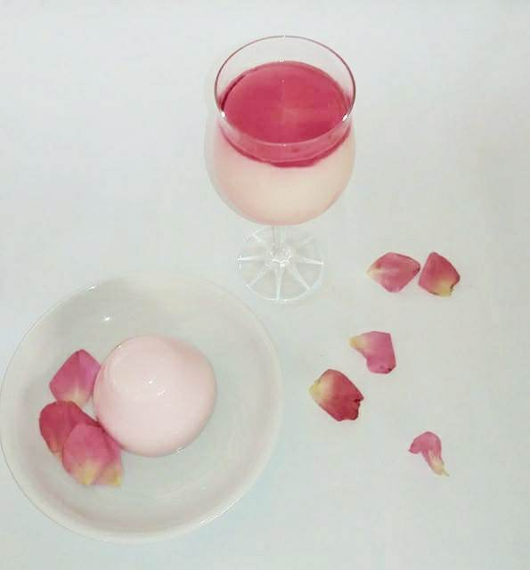 Mahalepi (in glass) and rose-flavoured blacmange