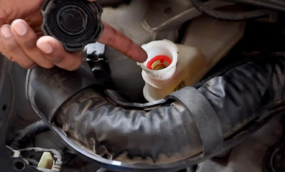 brake oil check