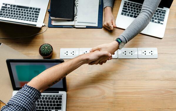 6 Cara Mudah Meningkatkan Omzet dan Laba Bisnis Jualan Pulsa Bersama PusatPulsaMurah.com
