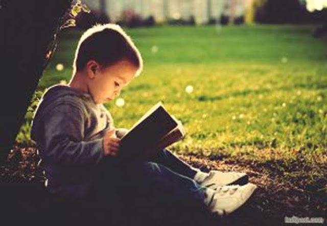 Membaca harus menarik dan menyenangkan. Jika Anda merasa itu membosankan atau sulit, gantilah bukunya! 3 tips ini akan membantu Anda memulai