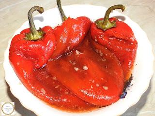 Salata de ardei capia copti reteta de casa rapida cu otet si usturoi retete culinare salate,