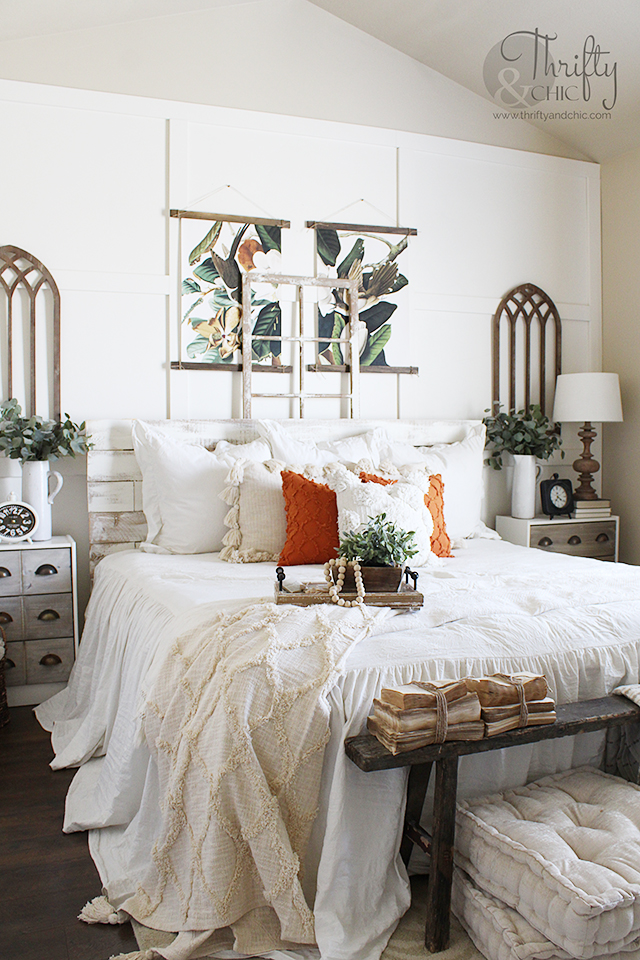 Summer bedroom decor ideas. Bedroom colors. Bedroom paint colors. bedroom decor for small bedrooms. Summer bedroom color ideas. Farmhouse bedroom decor. Bedroom wall decor ideas. Bedroom nightstand decor ideas. elm bench decor