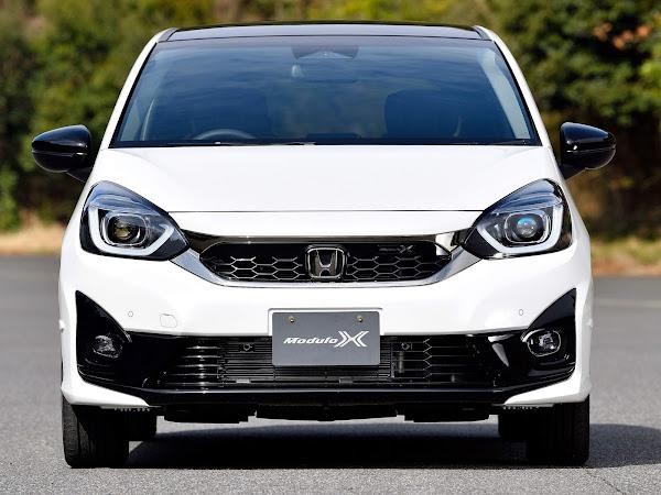 Novo Honda Fit e: HEV 2022 ganha versão esportiva Modulo X - Japão