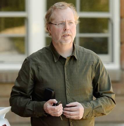 Nathan P. Myhrvold, acusa a la NASA de cometer errores en el cálculo del tamaño de los asteroides.