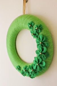 Green yarn and felt shamrock design handmade wreath