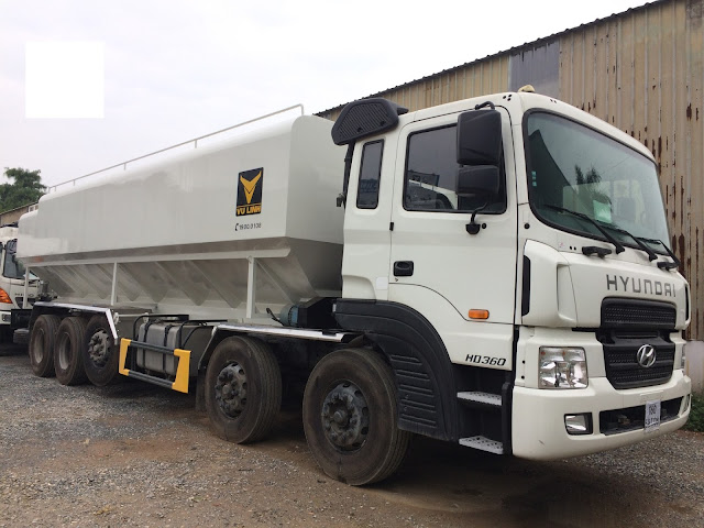 Xe bồn 34 khối chở thức ăn chăn nuôi Hyundai HD360