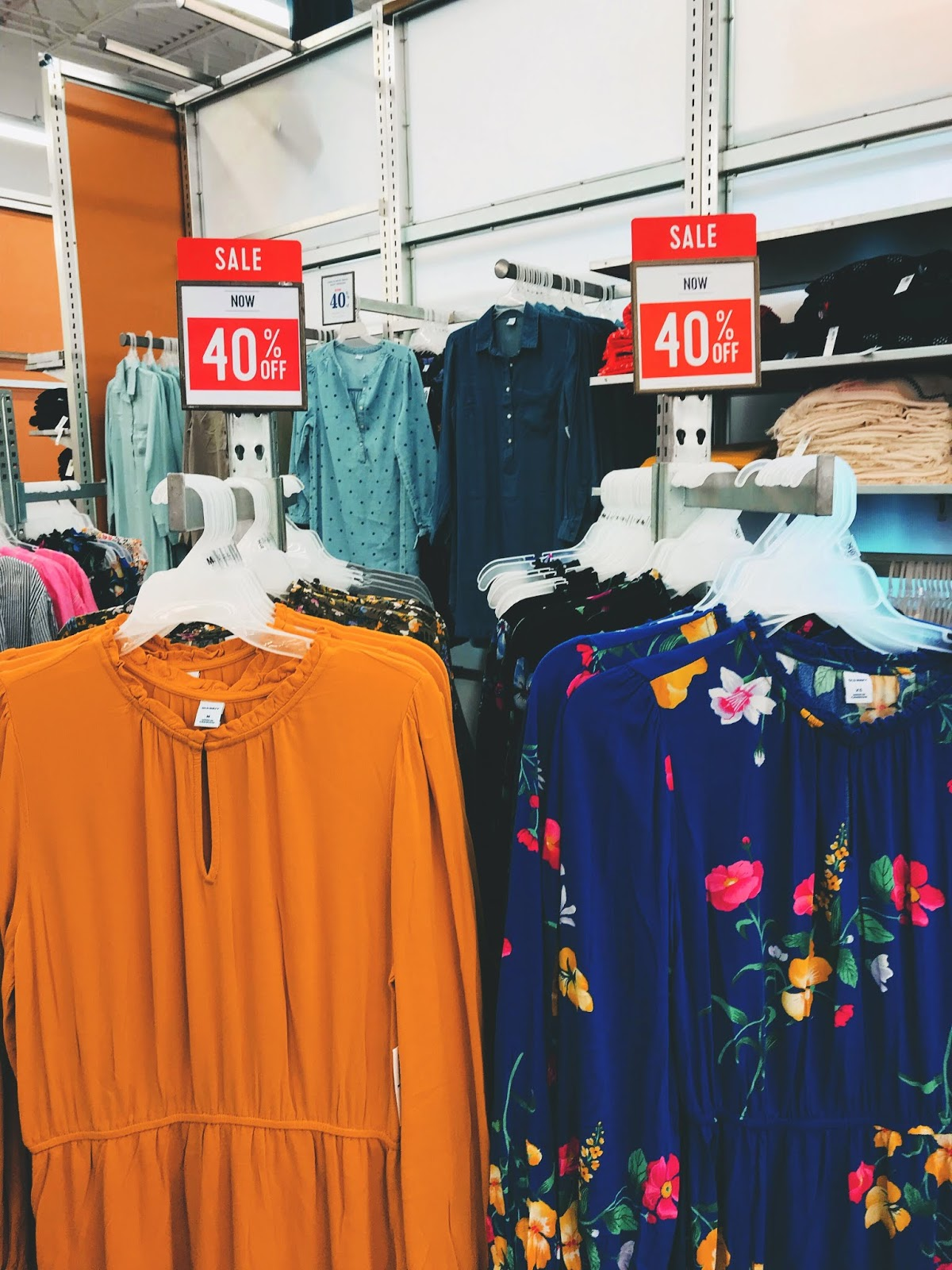 Shopping In City: Looking For Cute Summer Things + Why Are They Selling Long Sleeves?