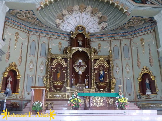 Altar of Nasugbu Church