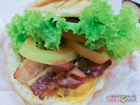 bacon black angus burger, Charlie's Grind and Grill