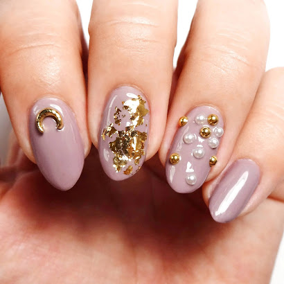 Mauve and Gold Nails