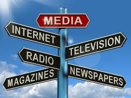Beda Jurnalistik Cetak, Radio, TV, Online