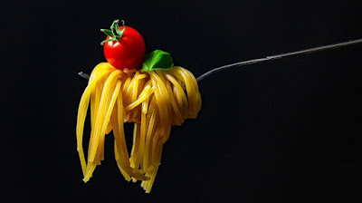 Spaghetti and tomato plant based myths