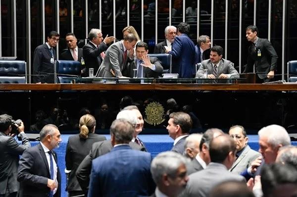 O Plenário do Senado aprovou nesta segunda-feira (3) a medida provisória que busca coibir fraudes nos benefícios do Instituto Nacional do Seguro Social (INSS)
