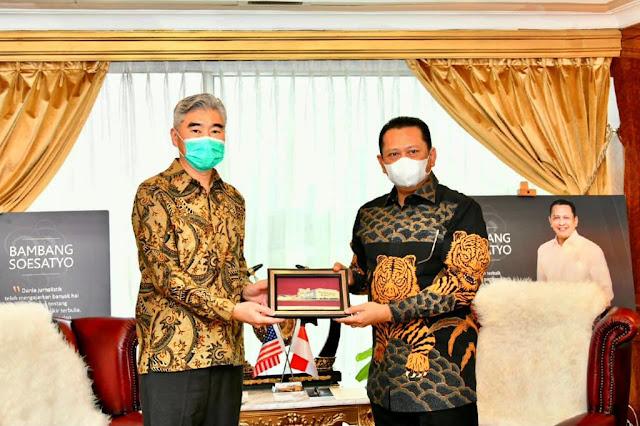 Dorongan untuk Kerjasama Kendaraan Listrik dan Landasan Peluncuran Roket Antara Indonesia dan Amerika Serikat