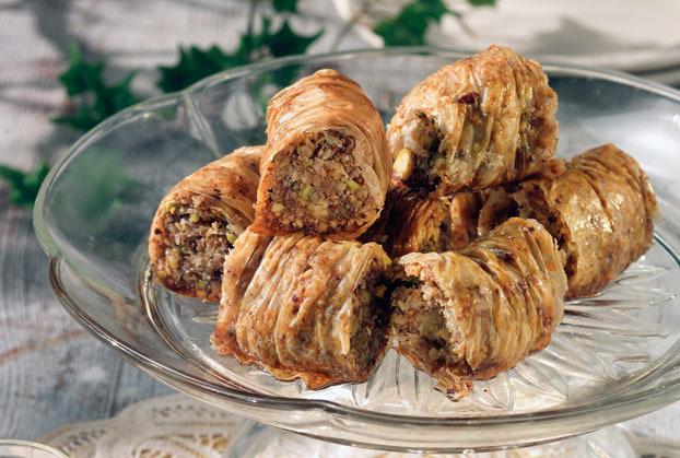 """Συνεχίζονται τα μαθήματα Ποντιακής κουζίνας με το νηστήσιμο γλυκό """"Πουρμά"""" στην Ξάνθη"""
