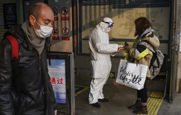 От коронавируса умерло более 3 тысяч человек