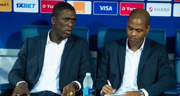 Cameroun: Seedorf et Kluivert réclament des milliards après leur licenciement