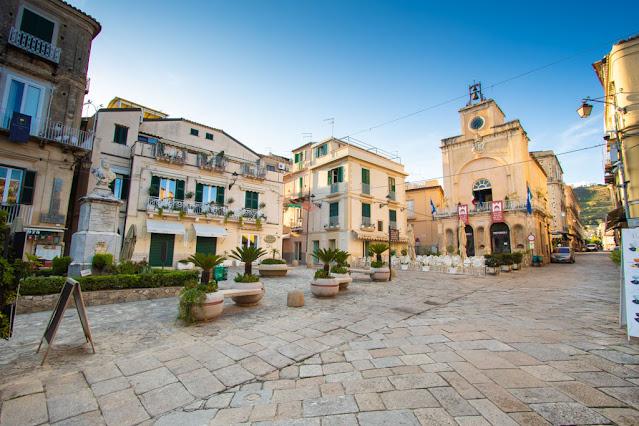 Piazza Ercole-Tropea