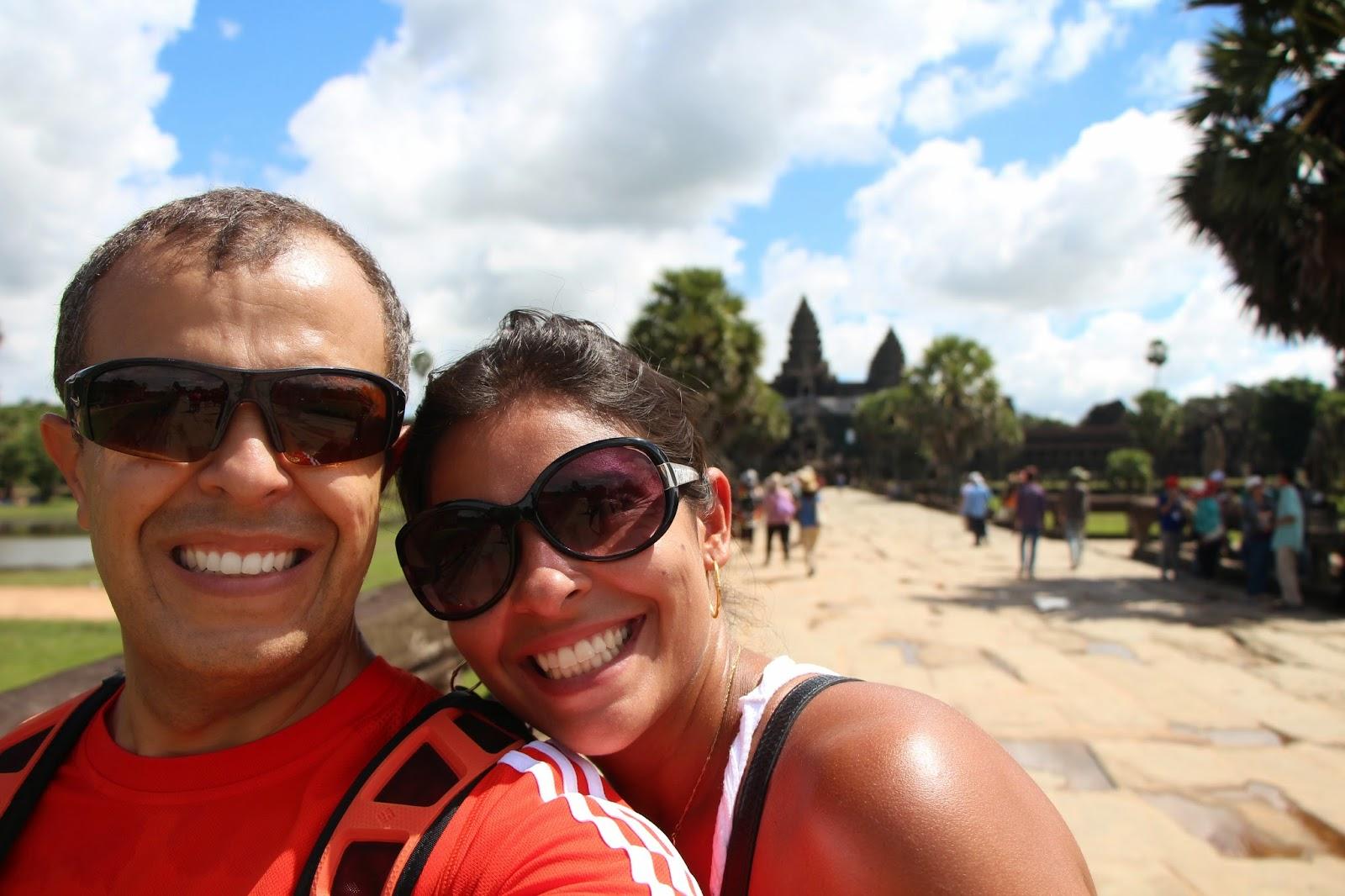 Iza e Ale em Angkor