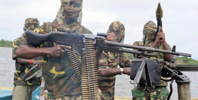 Niger Delta Avengers threaten to resume attacks on the Nigerian oil sector