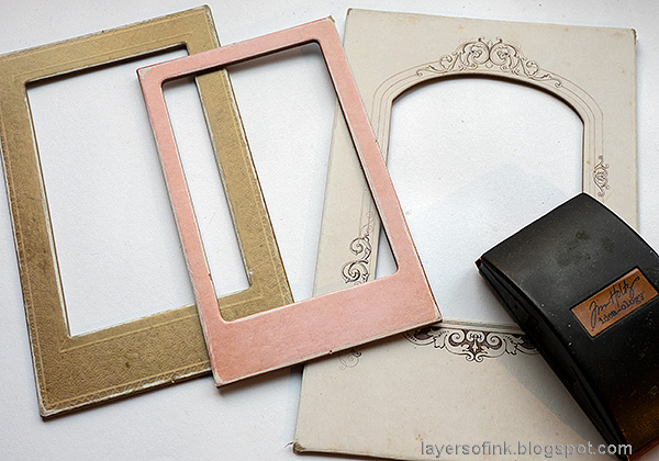 Layers of ink - Vintage Christmas Frame Tutorial by Anna-Karin Evaldsson. With Tim Holtz ideaology Layers and Baseboard.