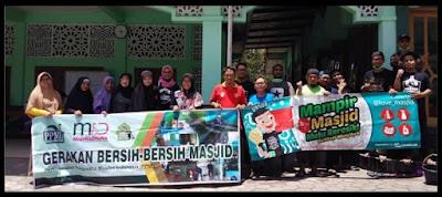Bersih-bersih Masjid menggunakan Bumaclean